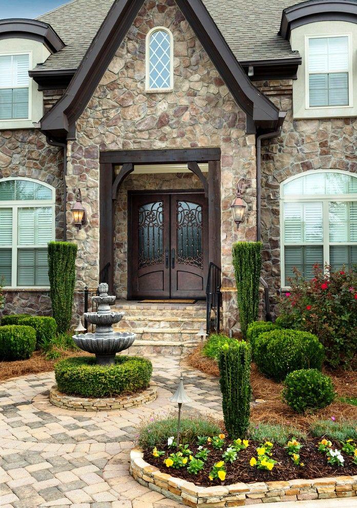 Выполняемые при помощи сложной обработки двери всегда являют собой образец безопасности и защищенности