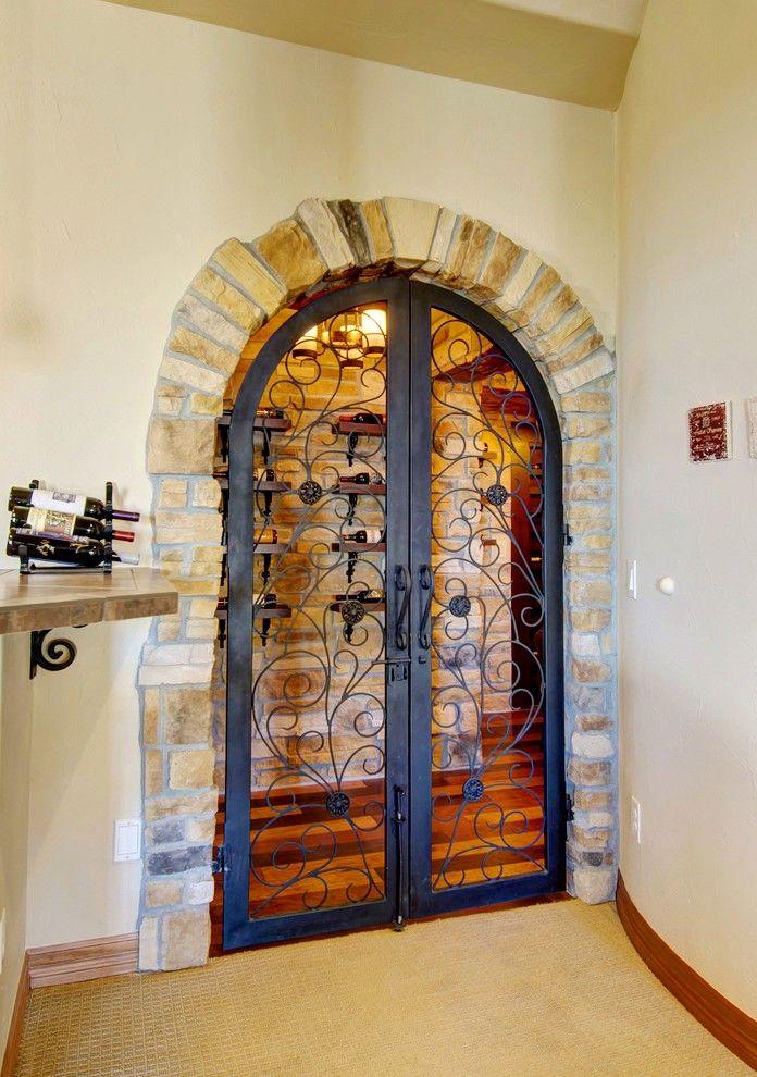 Большие межкомнатные двери могут облагородить дом, и придадут ему особый шарм