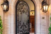 Фото 2 Кованые двери (45 фото): изысканность эпохи возрождения и модная тенденция