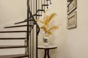 Фото 14 Кованые перила для лестниц (45 фото): мелодия, застывшая в металле