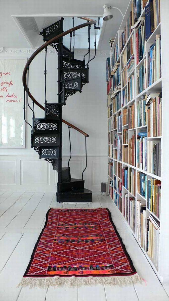 Красивая кованая лестница может стать изюминкой Вашего интерьера