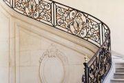 Фото 3 Кованые перила для лестниц (45 фото): мелодия, застывшая в металле