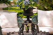 Фото 7 Кованые столы в интерьере (80+ фото): секреты изготовления и ухода за коваными изделиями дома и в саду