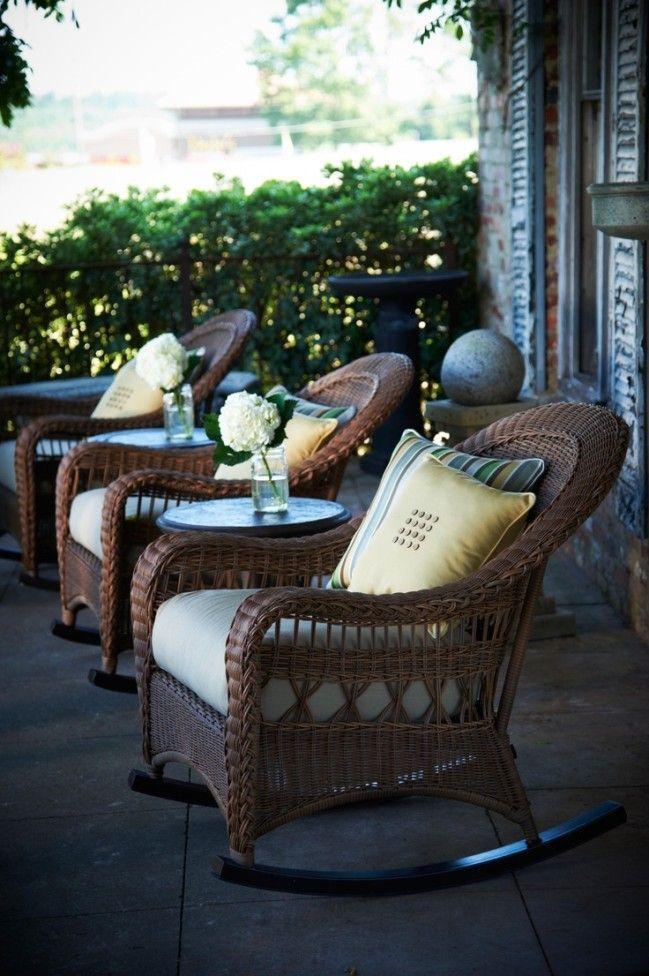 Кресло-качалка — идеальный способ создать атмосферу уюта и спокойствия