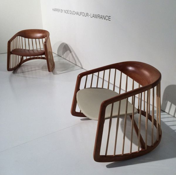 Простое и стильное кресло-качалка подойдет и для посиделок с друзьями и для спокойного отдыха