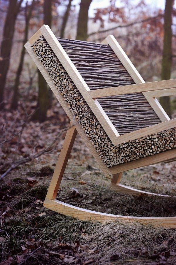 Кресло-качалка и свежий воздух — именно то, что нужно для полноценного отдыха