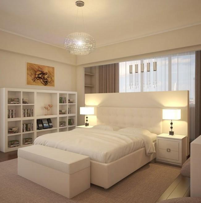 Уютное большое изголовье кровати придает спальне ощущения мягкости и приятного комфорта