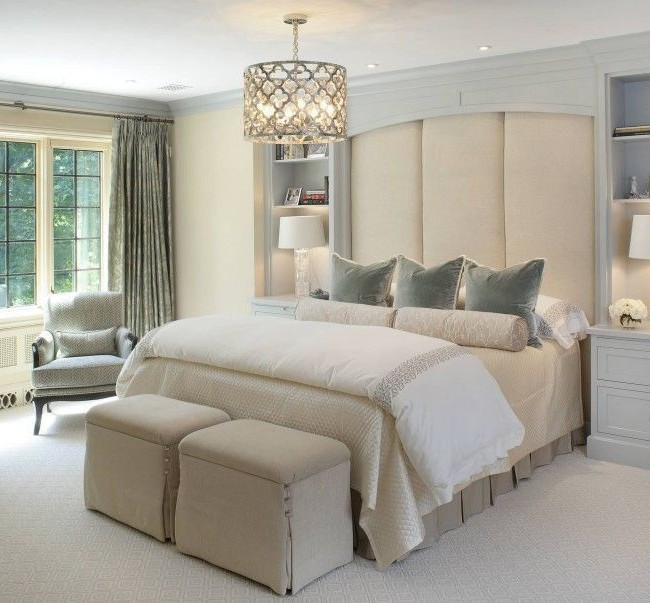 Кровать с мягким изголовьем в стиле ампир