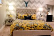 Фото 17 Самый комфортный тренд сезона: 70+ стильных двуспальных кроватей с мягким изголовьем