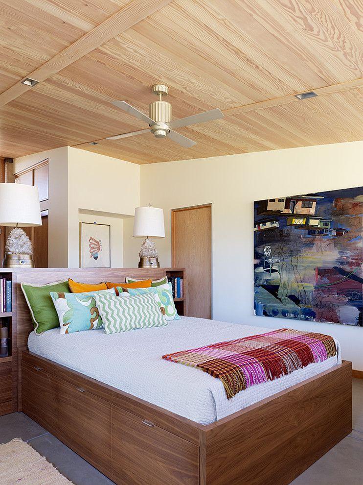 Кровать с выдвижными ящиками может использоваться как полноценное спальное место, так и место для хранения спальных принадлежностей