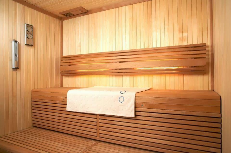 Использовав древесину разного цвета Вы сможете эффектно разнообразить интерьер