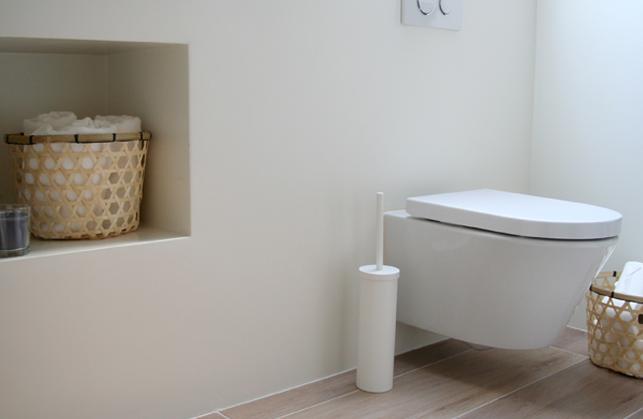 Muurverf badkamer kleur meer dan idee n over badkamer verf kleuren op - Badkamer kleur idee ...