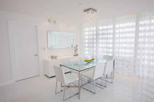 Нежная белая органза идеально впишется в белую минималистичную кухню