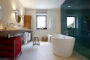 Фото 17 Стеклянные перегородки в квартире (50 фото): как создать прозрачную стену