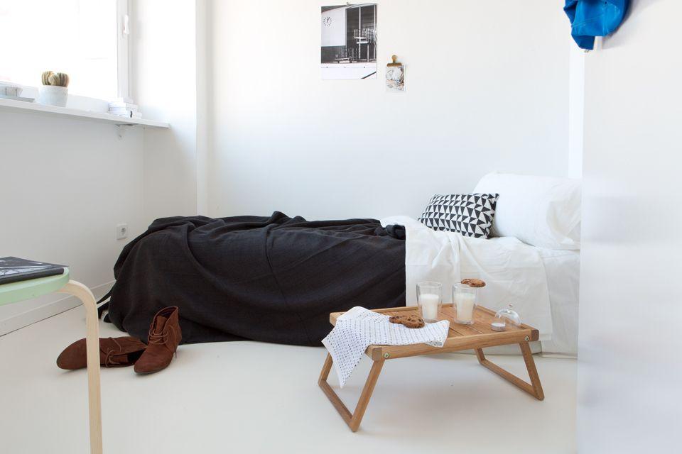 Лаконичный столик для завтрака в силе минимализм