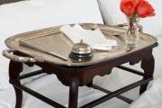 Фото 12 Столик для завтрака в постель (45 фото): практично, удобно, универсально