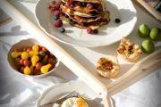 Фото 14 Столик для завтрака в постель (45 фото): практично, удобно, универсально