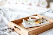 Фото 20 Столик для завтрака в постель (45 фото): практично, удобно, универсально