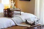 Фото 24 Столик для завтрака в постель (45 фото): практично, удобно, универсально