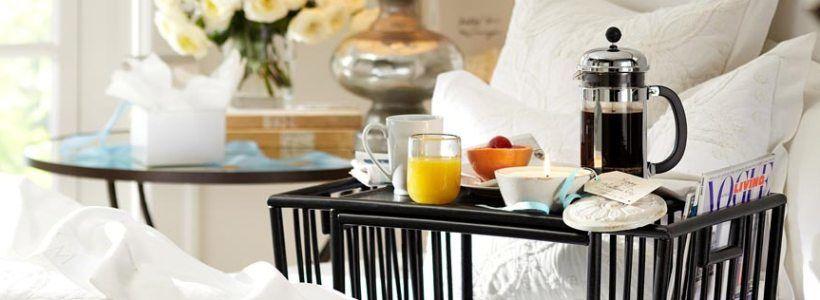 Столик для завтрака в постель (45 фото): практично, удобно, универсально