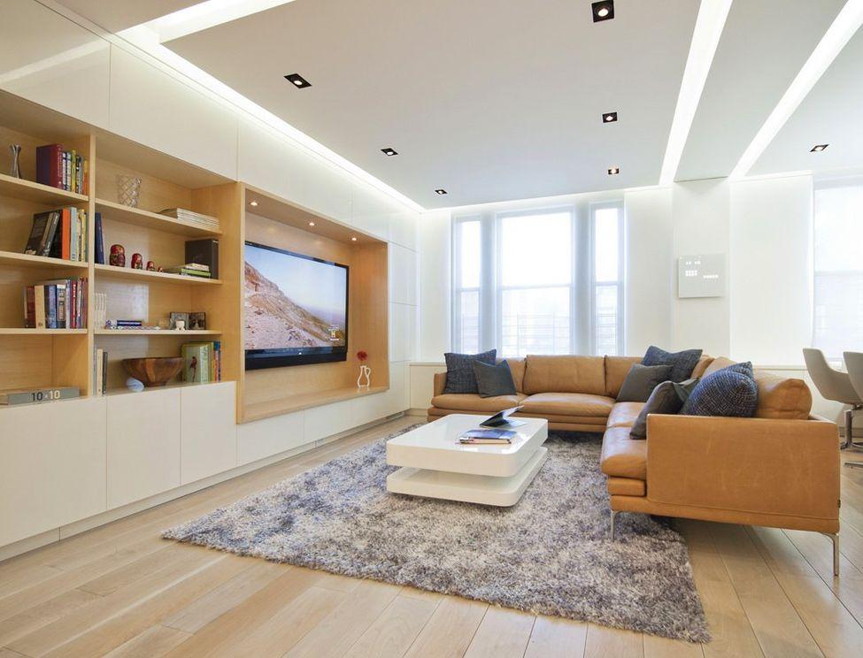 Ниша в мебели может вместить любой, даже самый габаритный настенный телевизор