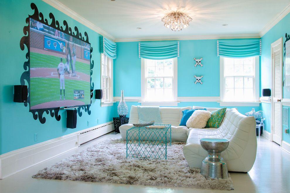 """Если выключить телевизор - на стене образуется забавная """"клякса"""""""