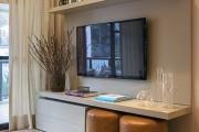Фото 18 Телевизор на стене в интерьере (45 фото): идеи гармоничного размещения