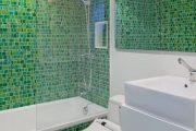 Фото 4 Стеклянные шторки для ванной: что нужно знать при выборе и 50 избранных дизайнерских решений