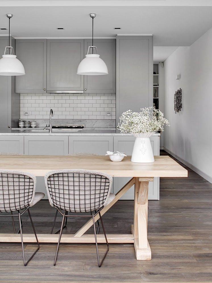 Фото 8 - Темный ламинат в кухне в стиле прованс