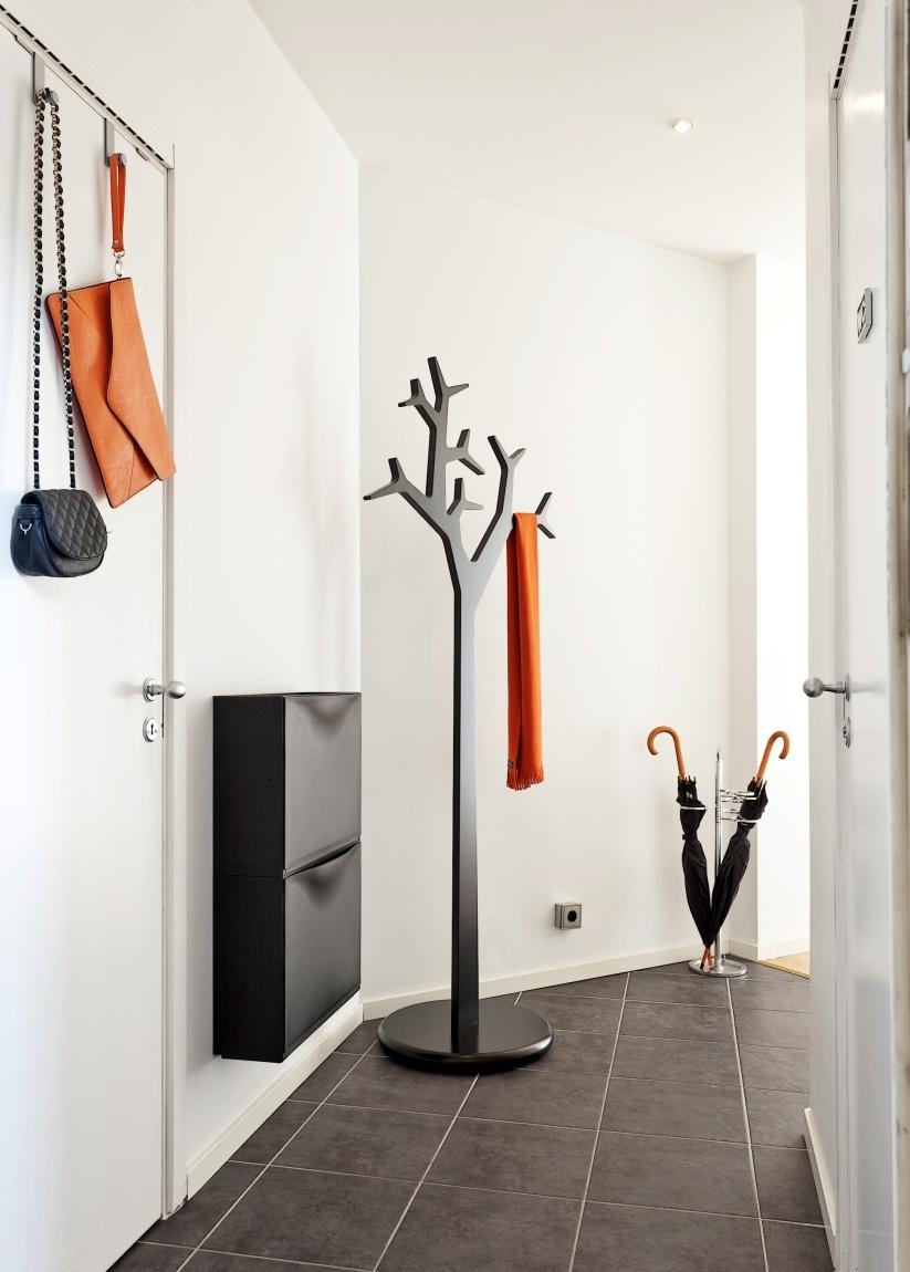 Фото 18 - Дизайнерская напольная вешалка в виде дерева