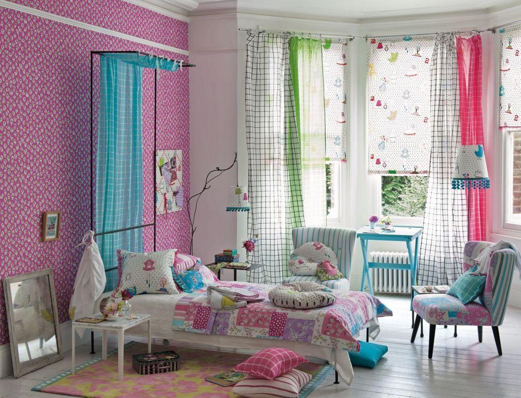 Забавные ассиметричные шторы прекрасно подойдут в детскую комнату с эркером