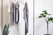 Фото 19 Напольная вешалка для одежды (47 фото): все для любимых вещей
