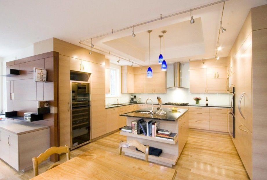 Минусом кухни в бежевом цвете является то, что ее нужно более тщательно убирать, если сравнивать с более темными цветами