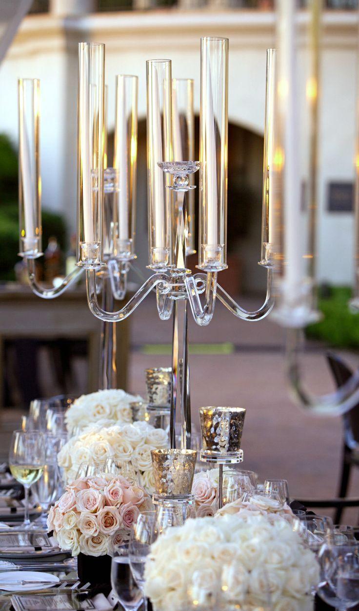 Торжественный стеклянный канделябр дополнит ваш стол особым шармом