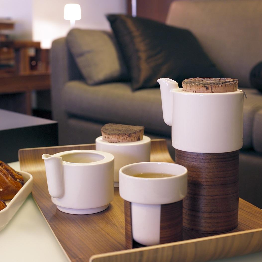 Чайный набор из керамики и дерева
