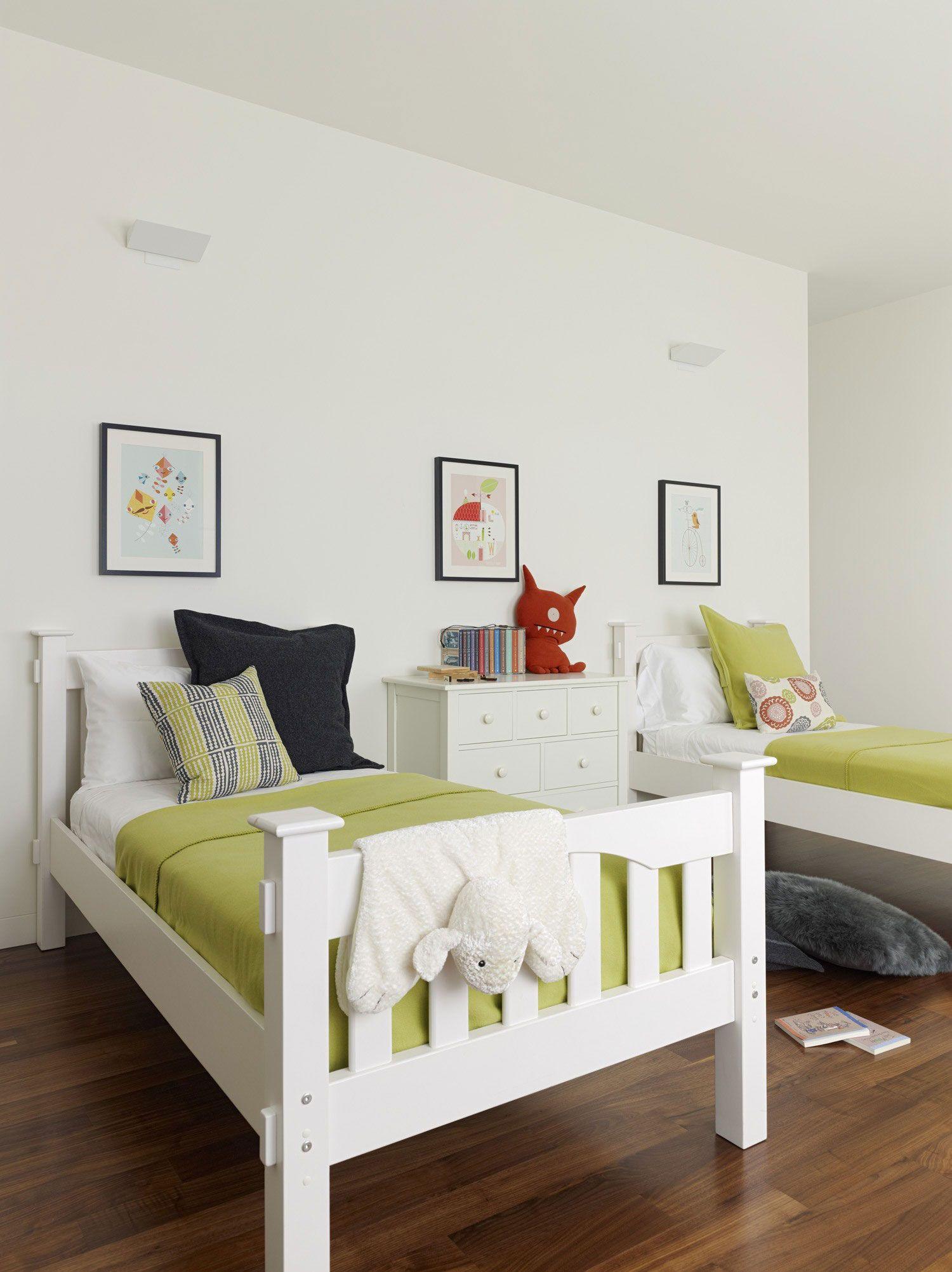 Прекрасный пример детской комнаты в минималистской квартире