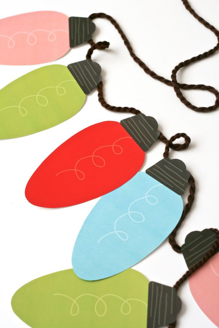 Веселая гирлянда из разноцветных бумажных лампочек