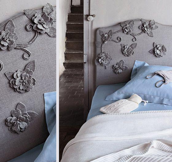 Тканевое изголовье с аппликацией в виде цветков для кровати в детской комнате