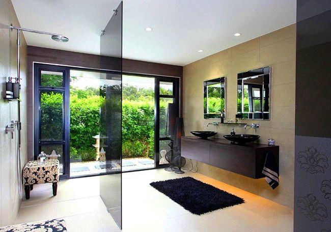Чёрный цвет – это всегда элегантно, всегда выигрышно. Чёрный коврик в ванной станет стильным дополнением к общему интерьеру