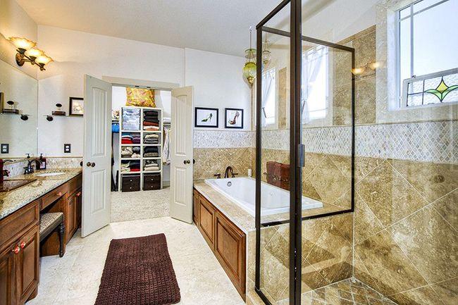 Ванная комната заметно преобразится, благодаря такому банному коврику, а ступни оценят его тепло и комфорт