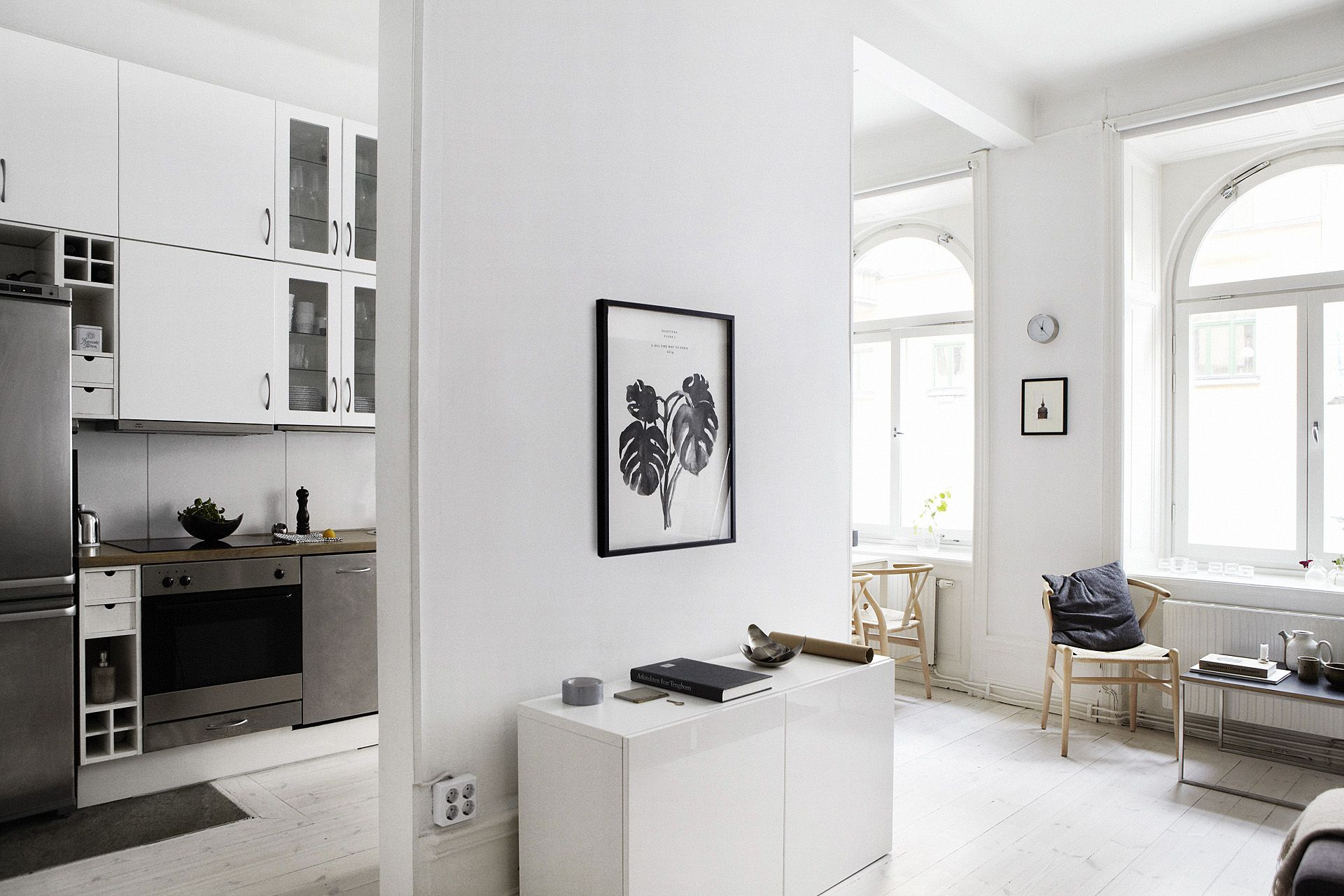 Комнаты в квартире-студии не имеют границ и поэтому кажутся просторнее