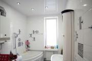 Фото 20 Натяжные потолки в ванной (45 фото): идеальный выбор