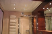 Фото 2 Натяжные потолки в ванной (45 фото): идеальный выбор