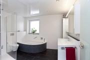 Фото 15 Натяжные потолки в ванной (45 фото): идеальный выбор