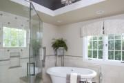 Фото 7 Натяжные потолки в ванной (45 фото): идеальный выбор
