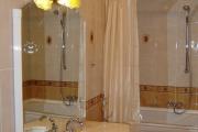 Фото 16 Натяжные потолки в ванной (45 фото): идеальный выбор