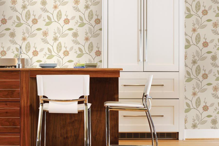 Элегантные цветочные декоры идеально подходят для создания теплой, домашней атмосферы кухни