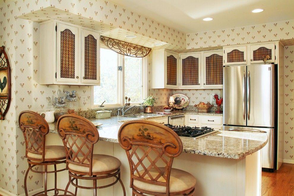 Моющиеся обои бежевого цвета, смотрятся достойно на любой кухне