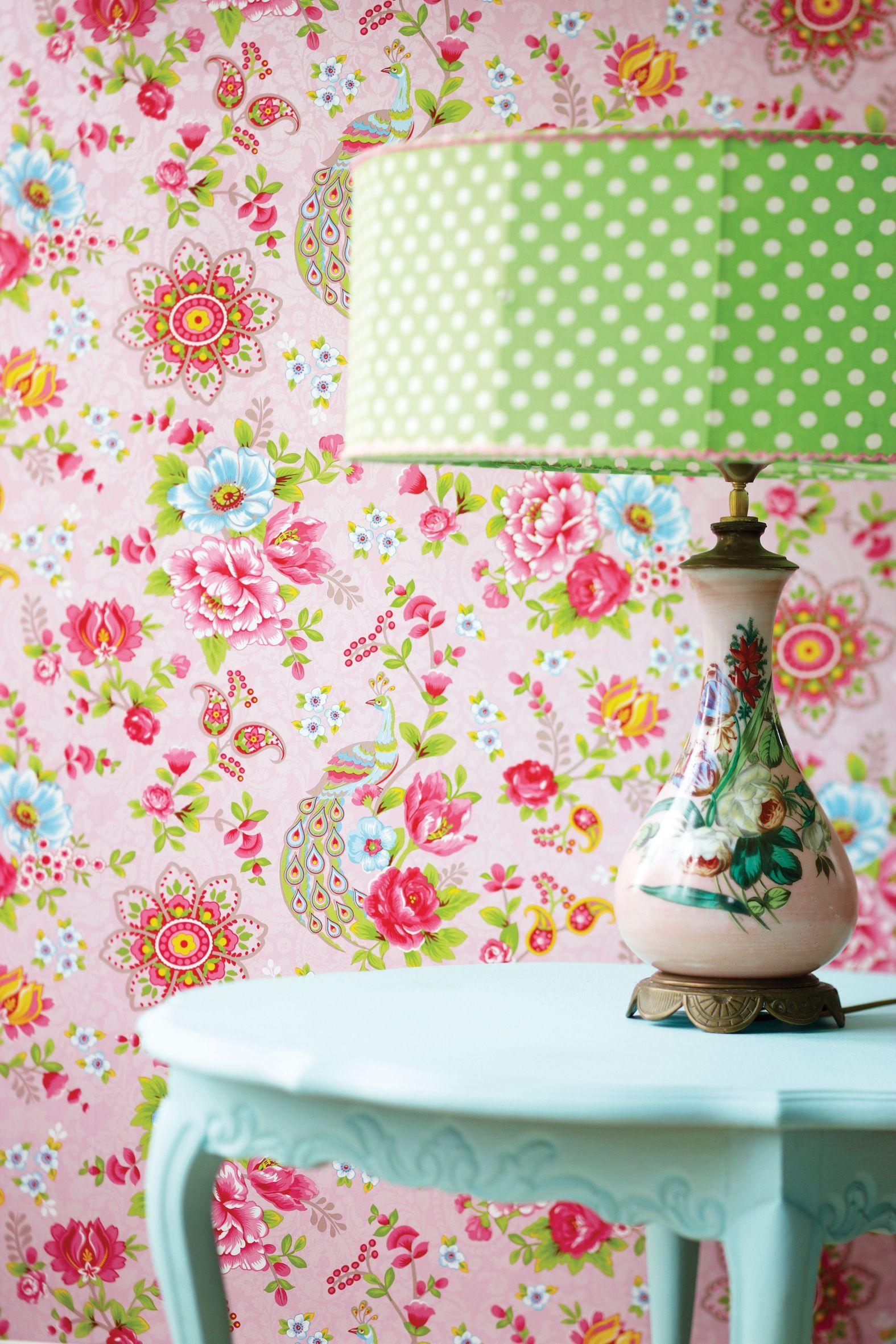 Обои для стен с цветами