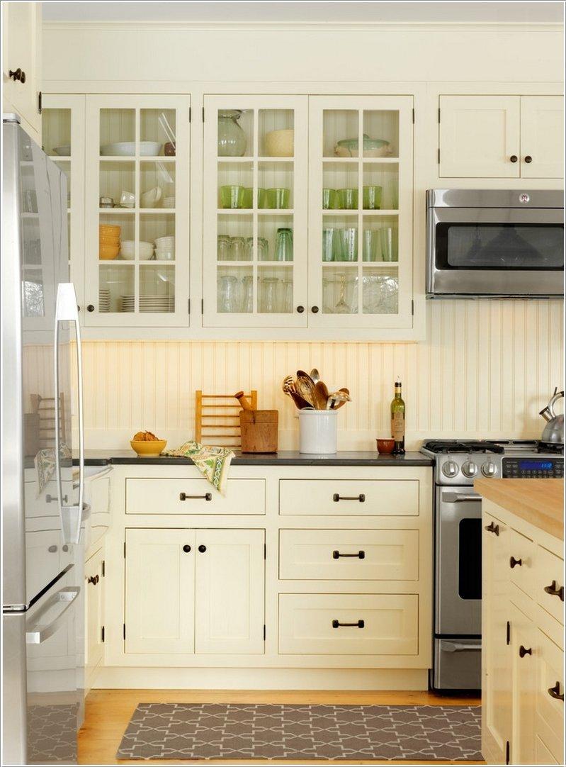 Обладая декоративными свойствами, пластиковые панели, также, помогают поддерживать чистоту